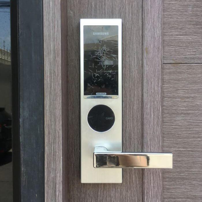 iSARAハウスの自動ドアロック