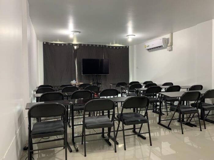 iSARAビルの教室